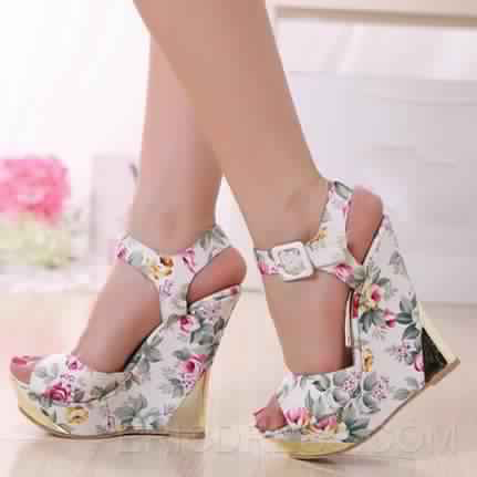 Chaussures Femmes Demi - Saison 3