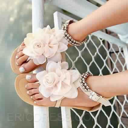 Sandales Plates9