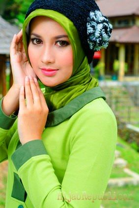 Hijab Fashion 13