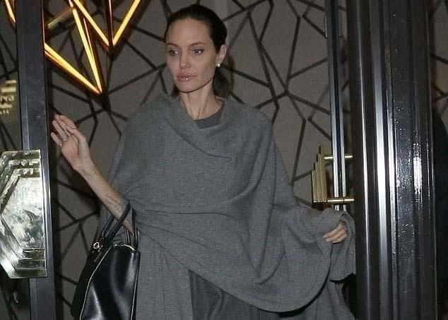 Angelina Jolie3