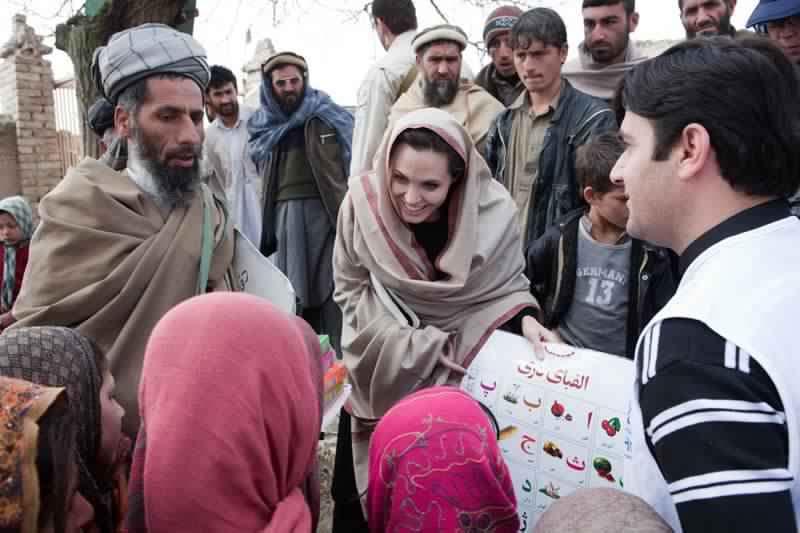 Angelina Jolie19