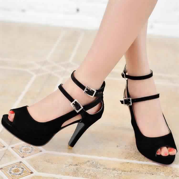Chaussures À Talons 11