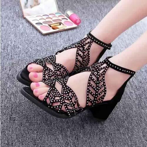 Chaussures Modernes Et Fashion1