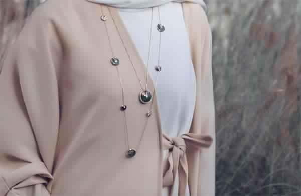 Choisir Son Pendentif En Fonction De Hijab3