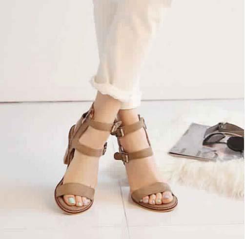 Sandales à Petit Talon3