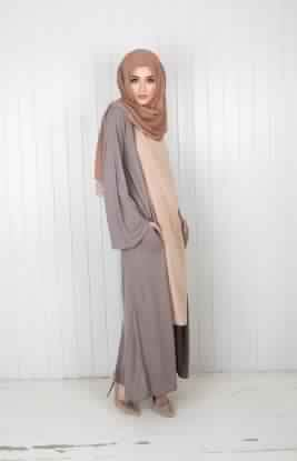 Styles de Hijab Modernes et Pratiques7