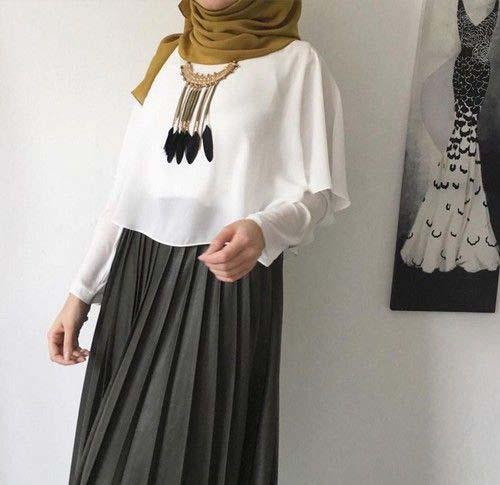 Comment Mettre Le Collier de Perles Avec Le Hijab7