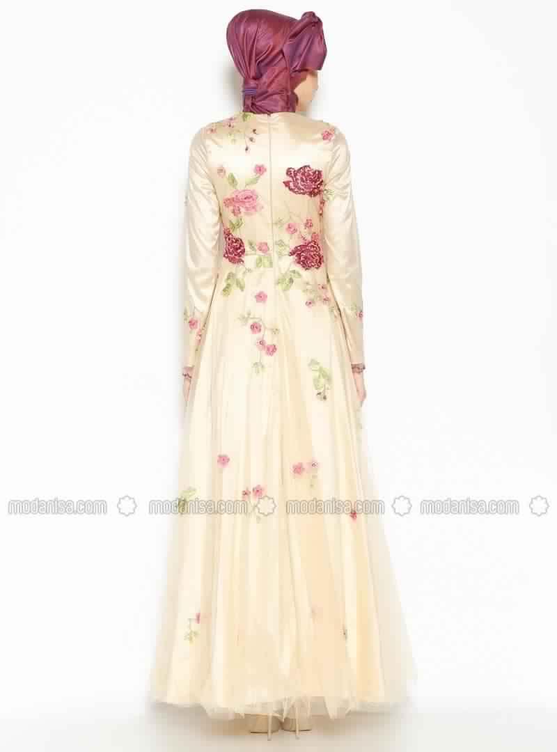 Robe Femme Voilée 1