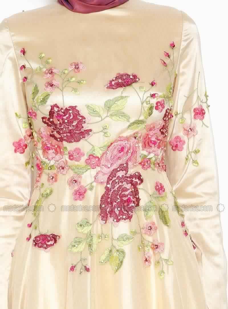 Robe Femme Voilée 2