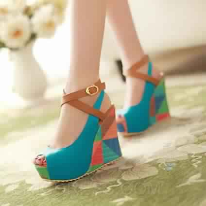 Sandale compensée multicolore 3