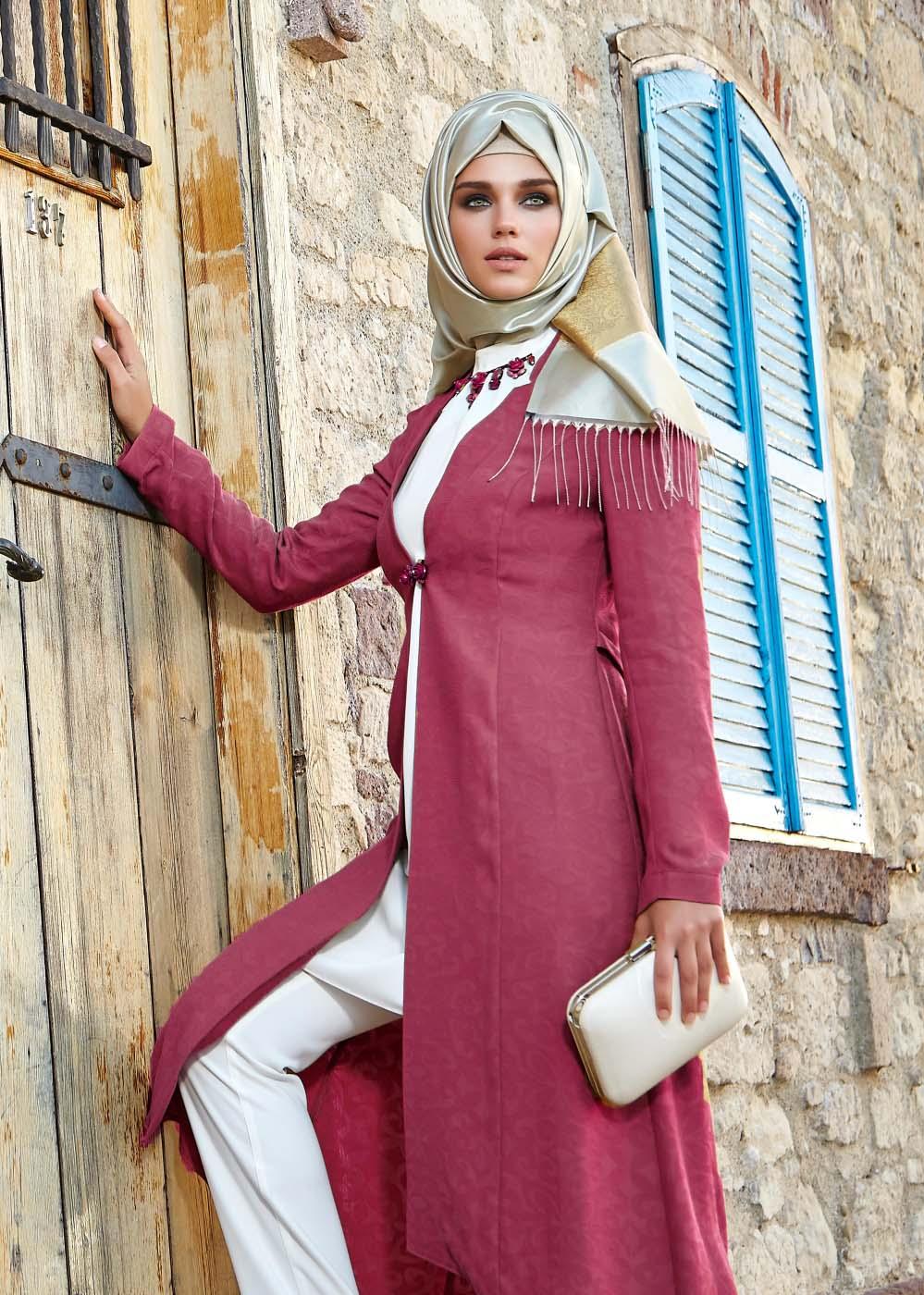 Trois Idées de tenues Hijab Fashion et pas chères Pour Les Occasions Spéciales!3
