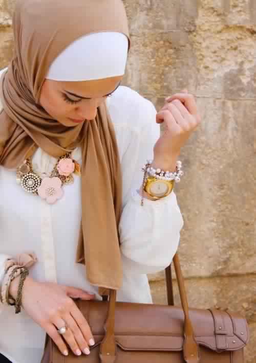 30 Magnifiques Façons chic et élégantes de porter son Hijab1