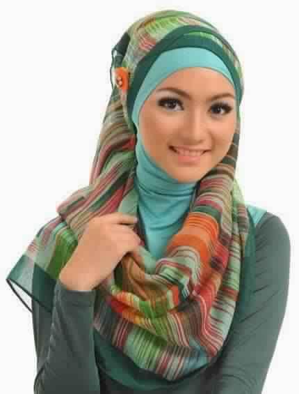30 Magnifiques Façons chic et élégantes de porter son Hijab6