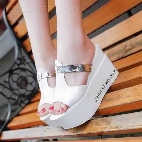 Magnifique Sandales très Classe et Fashion Pas Chères1