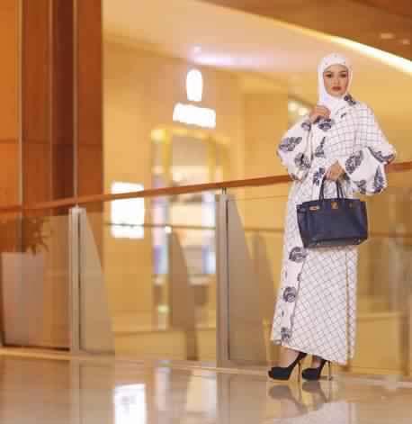 Quel sac a main porter avec une Abaya