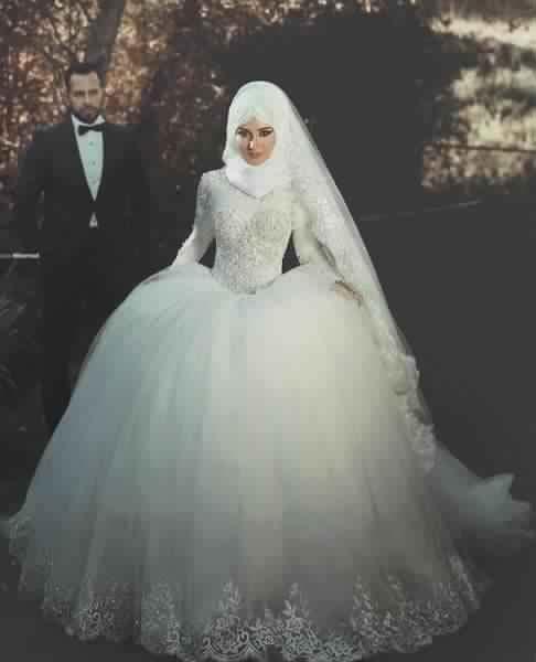 robe,de,mariee,pour,femme,voilee,1