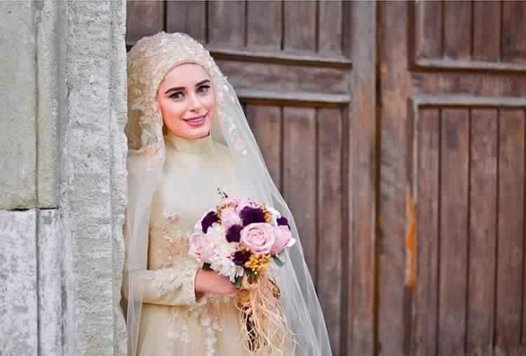 robe-femme-voilee-de-mariage11