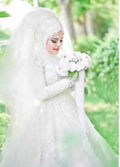 robe-femme-voilee-de-mariage9