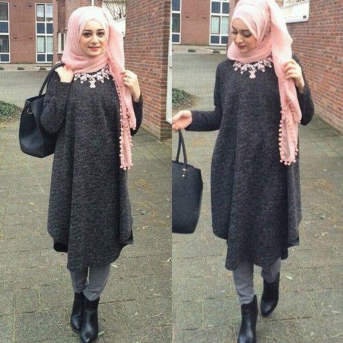Sa Robe Longue Avec La Hijab10