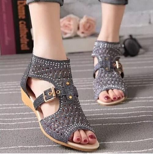 b73312b16160 Notre site vous propose une collection tendance de Sandale Femme Pas Cher,  profitez du choix, du prix et de la qualité.