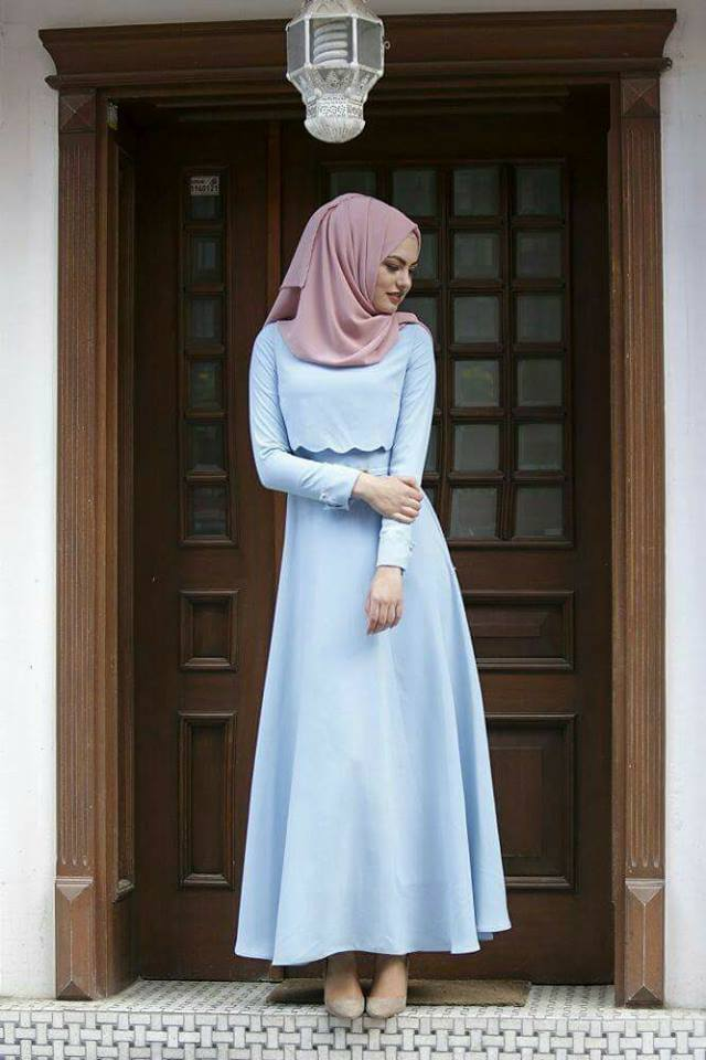 hijab mode 2017 55 robes longues pour femme voil e chic et l gantes pour votre inspiration. Black Bedroom Furniture Sets. Home Design Ideas